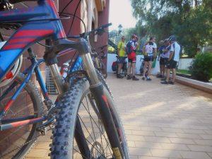 ein Fahrrad mit Routen mieten