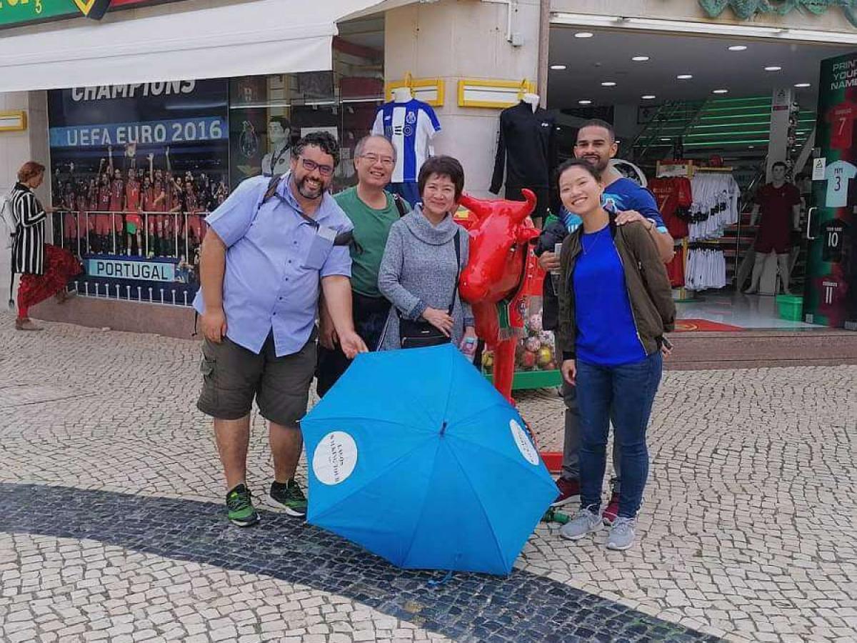 Lagos Walking Tour blue umbrella