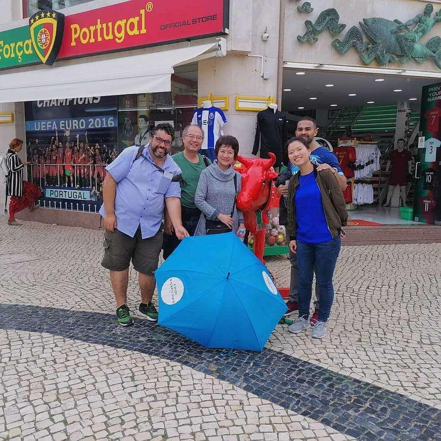 Lagos Wandeltocht blauwe paraplu