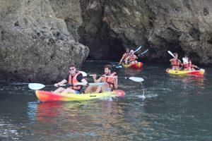 Winterkayakken in de grotten van Ponta da Piedade