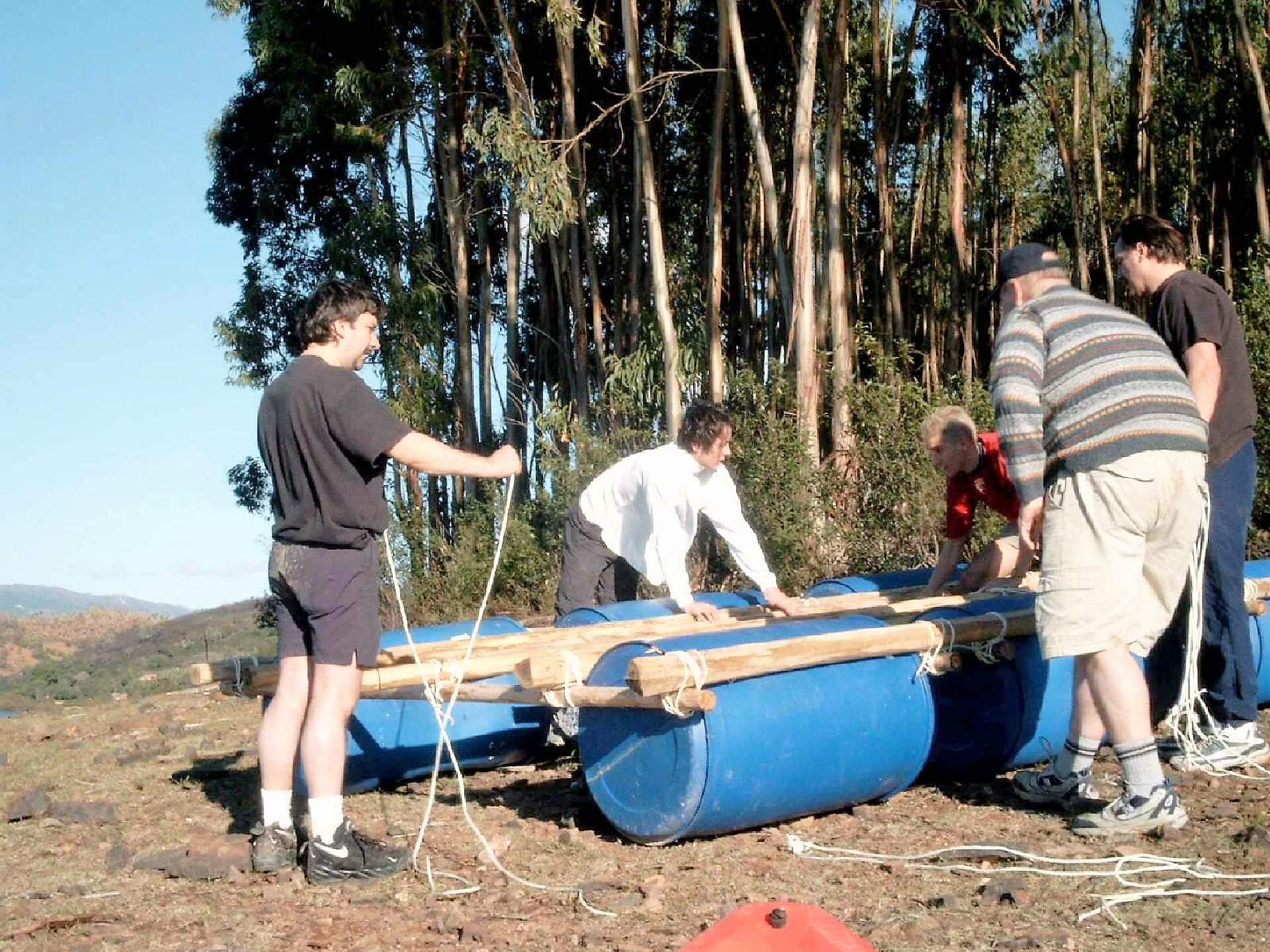 Algarve Floßbau auf See mit Führungsübung