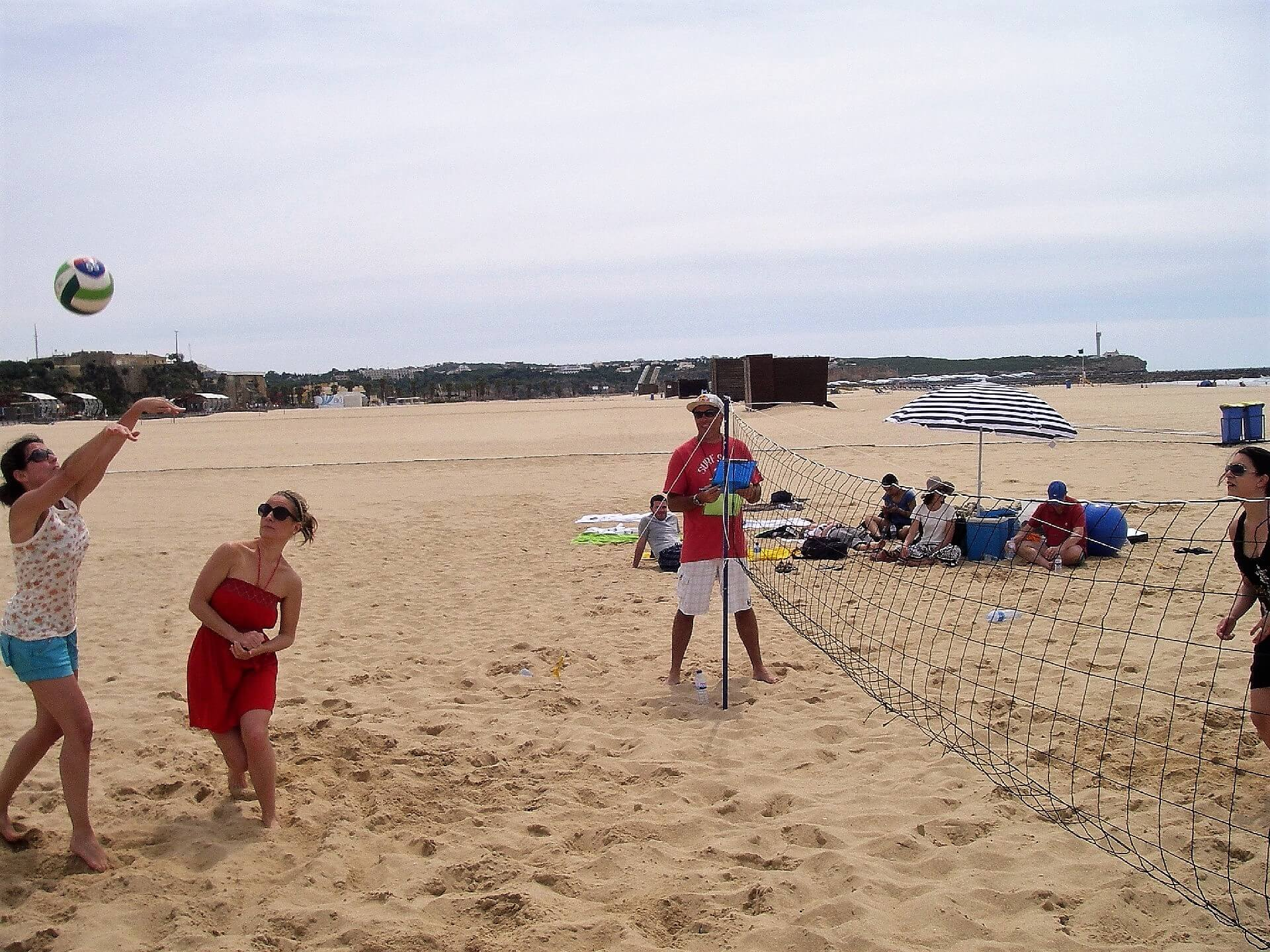 Mitarbeiter des Algarve-Teams Tagesausflug an den Strand
